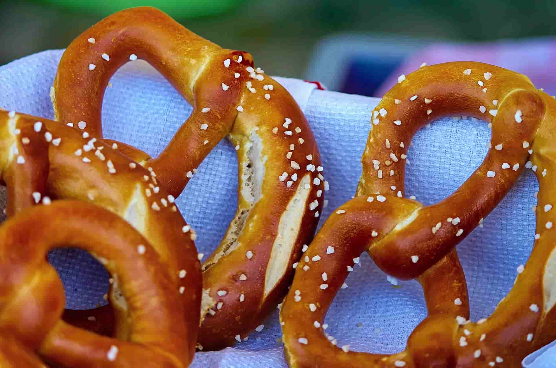 pretzels_drinking beer for breakfast_my life in germany-min