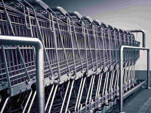 shopping cart_supermarkets in germany_what to expect and how to save money on groceries_my life in germany_hkwomanabroad-min