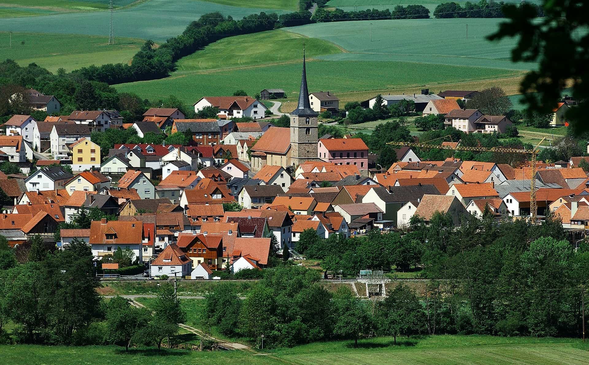 village small town_living in Germany_big city vs. small town_mylifeingermany_hkwomanabroad-min