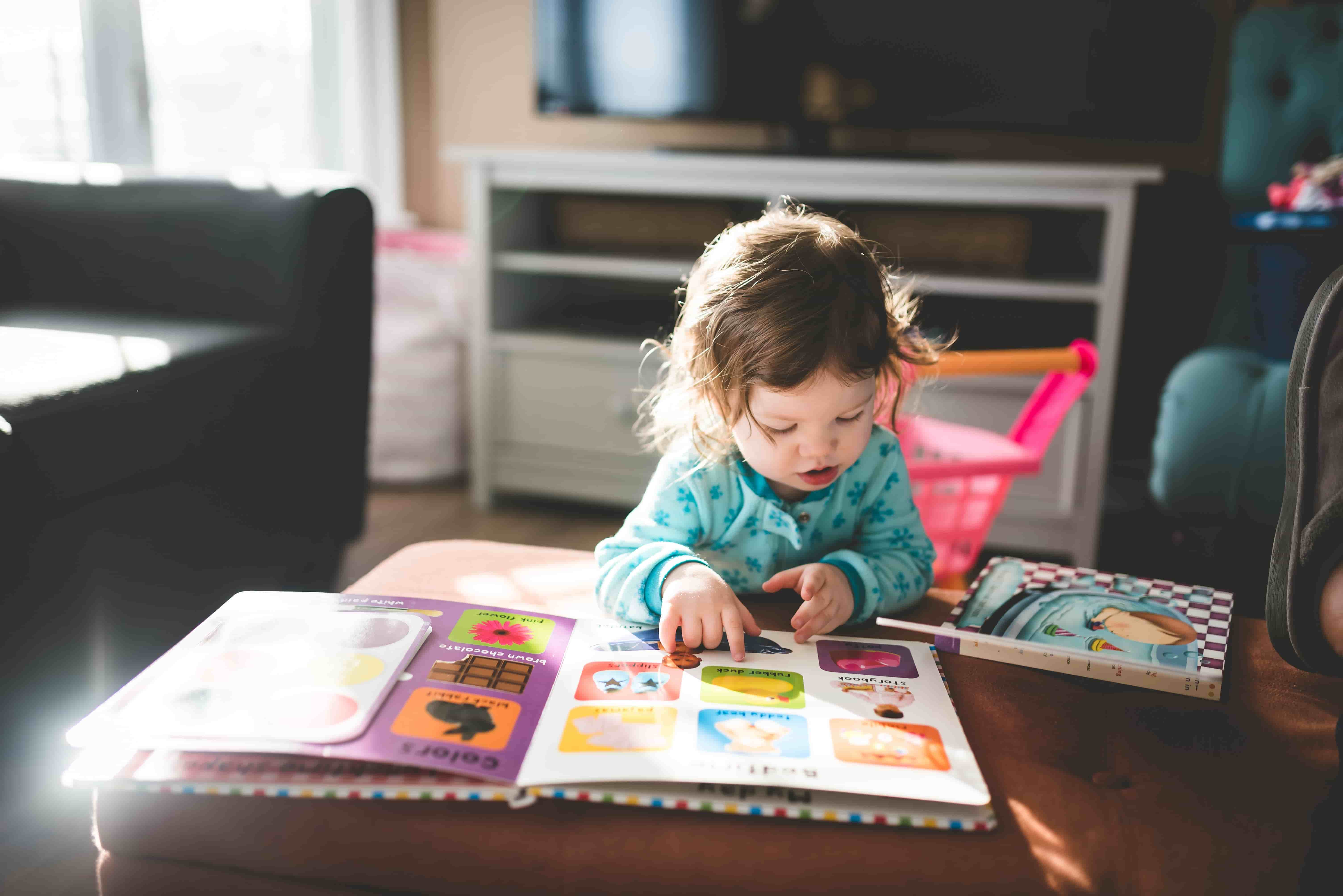 featured image_13 tips for working from home with a toddler_my life in germany_hkwomanabroad-min