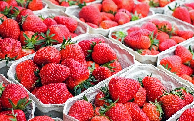 Strawberries in markets in Germany_strawberry waffle recipe - strawberry season in Germany_my life in germany_hkwomanabroad