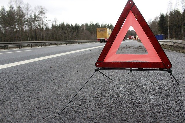 warning triangle_why do you need car insurance in Germany_car insurance in Germany_13 ways to save money_my life in germany_hkwomanabroad