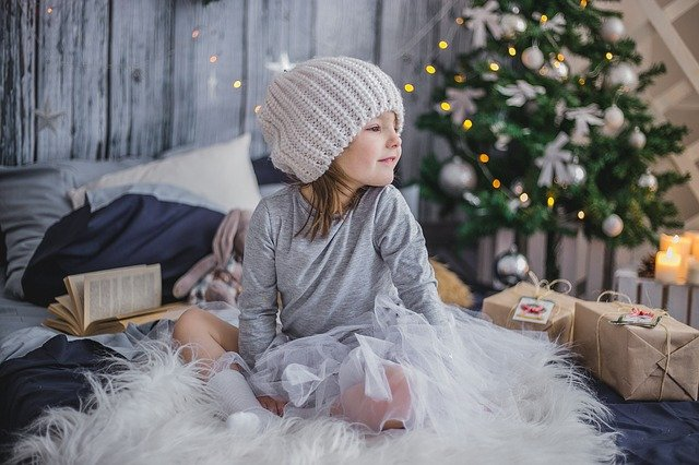 believing in santa can help with critical thinking_fantasy and imagination_believe in Santa_why i will never do this to my kids_the time when i found out that my father was santa_santa claus